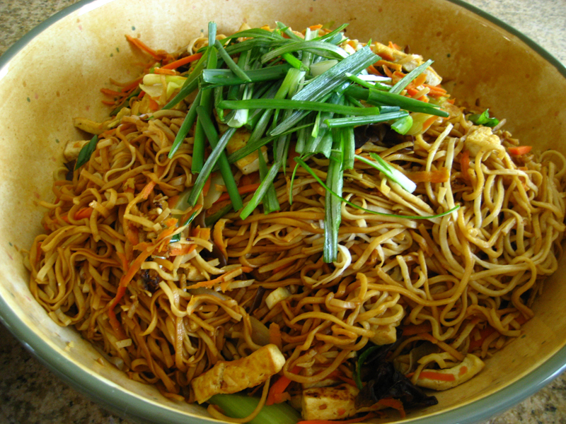 vegetarian stir fry noodles my aunt s homemade noodles from