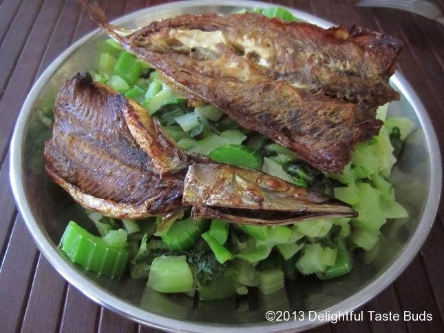 I felt a little guilty for being able enjoying this grilled to crisp mackerel pike. I had 2 of those!