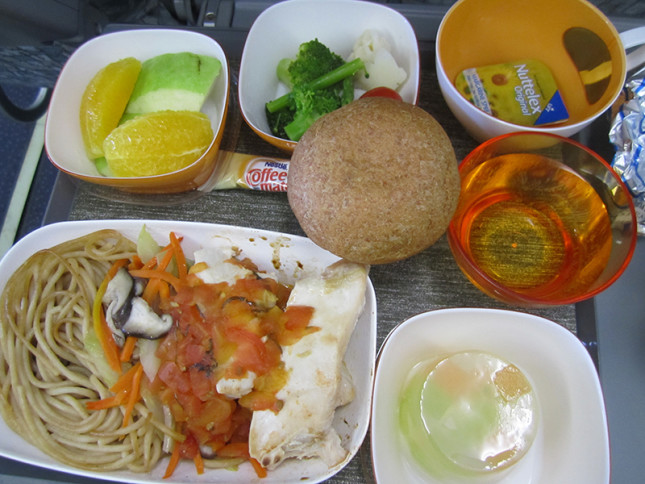 For Taipei- Jakarta flight, I chose Special Meal Diabetic Meal. Uhm...not too shabby either. I mostly only ate the chicken breast and some of the veggies. - plus my own food.